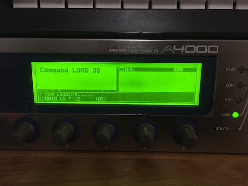 Photo of a Yamaha A4000 sampler loading its operating system